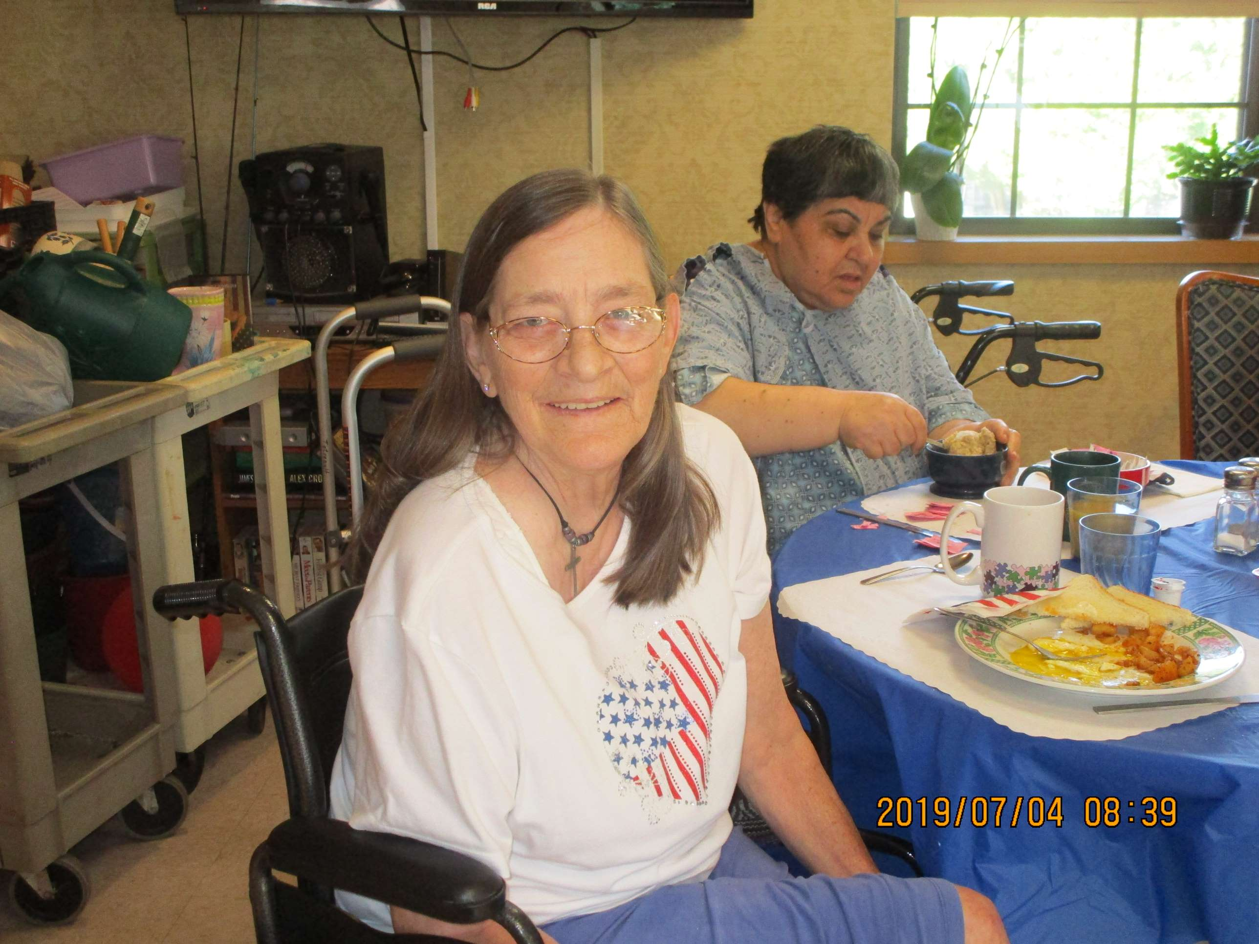 crystal lake rehab celebrate the 4th enjoying breakfast